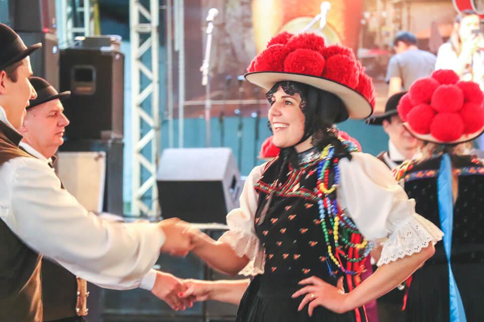 O que ver na Fenarreco? Danças típicas alemãs