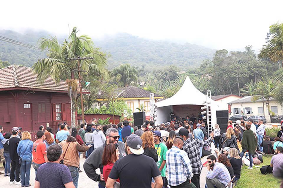 Festival de inverno de Paranapiacaba com música