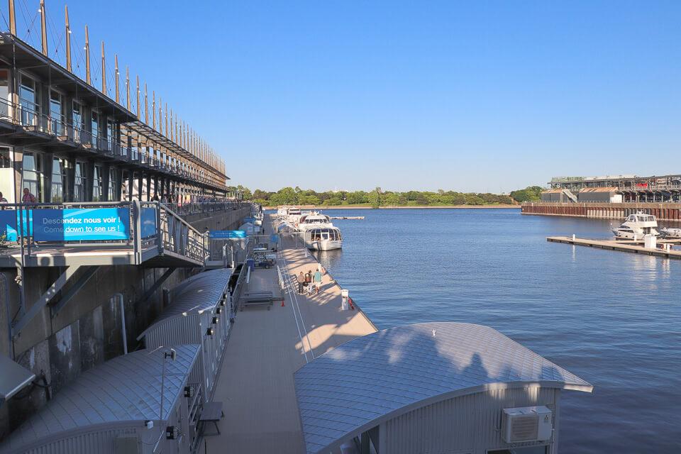 O que ver e fazer em Old Port Montreal? Tem pier para o seu barco ou lancha. Rio São Lourenço
