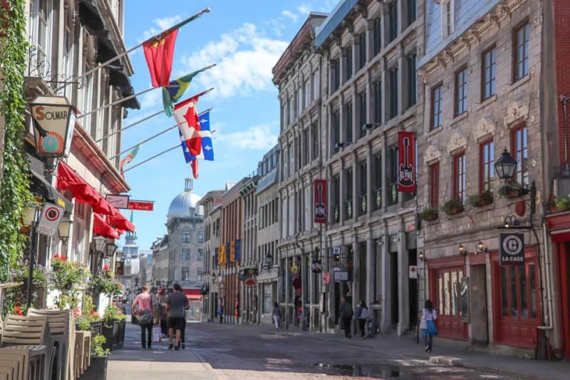 Rua Saint-Paul de Old Montreal é um opção do que ver e fazer em Montreal, Canada