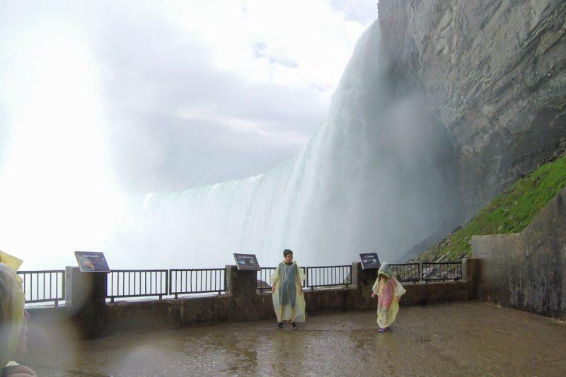Plataformas de observação da Journey Behind the Falls