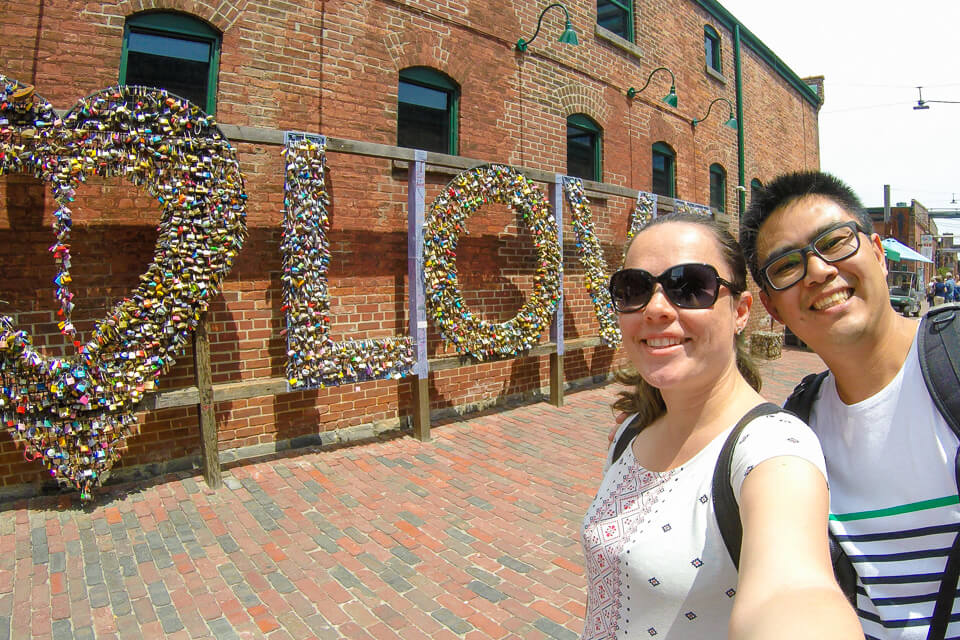 Distillery District - Painel Love