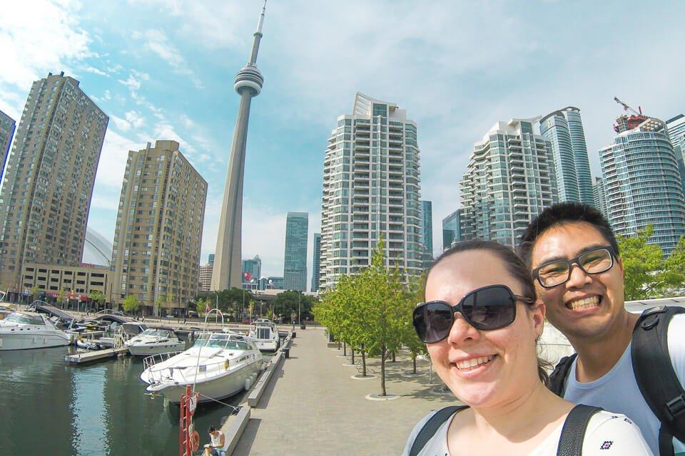 Vista para a CN Tower do Harbourfront Centre