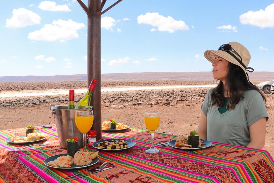 Como é o coquetel da Araya Atacama no passeios das Lagunas Escondidas de Baltinache - Deserto do Atacama