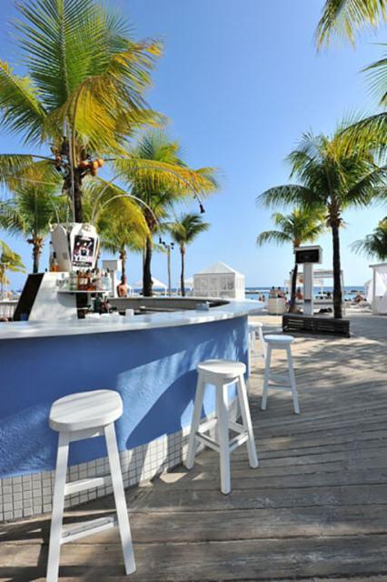 Bares, baladas e festas em Curaçao