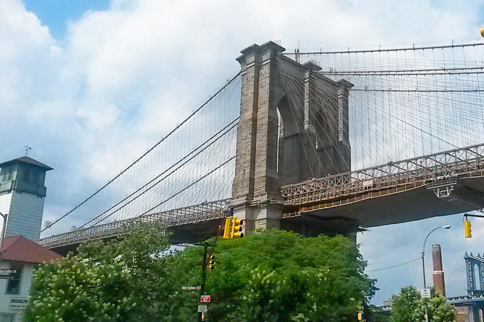 Ponte do Brooklyn é um dos principais pontos turísticos de Nova York