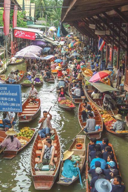 Qual melhor horário para visitar o mercado flutuante de Damnoem Saduak