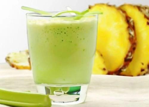 Suco de abacaxi e aipo