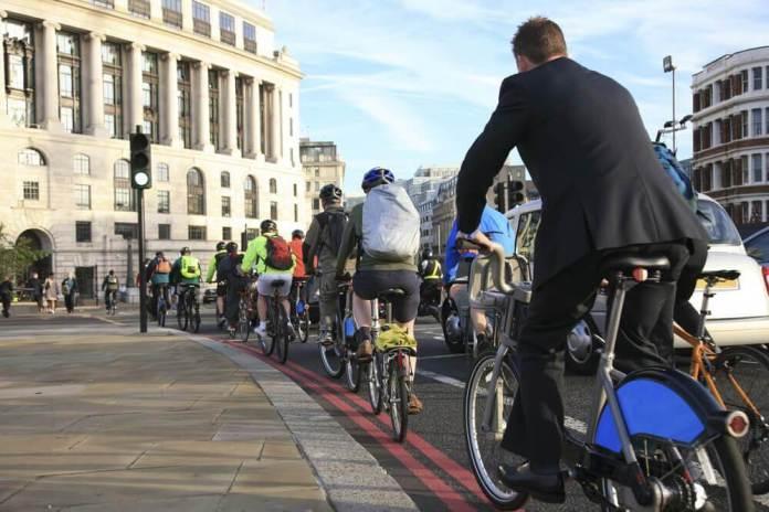 circulacao-bicicletas Ir para o trabalho de bicicleta reduz o estresse ocupacional