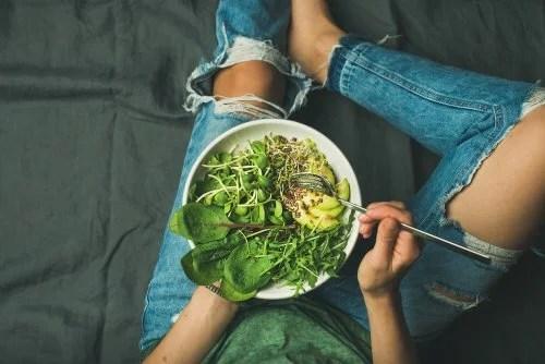 Salada nutritiva e saudável