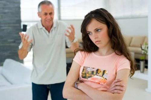 adolescentes-500x333 Qual é a importância de falar sobre sexo com os filhos?