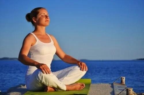 ioga-e-respiracao-500x333 Aprenda a melhorar sua postura seguindo esses simples passos
