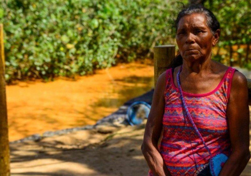 Ilda Peanha mora em Regência e ficou desolada com a chegada da lama