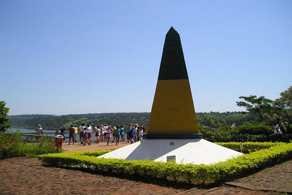 Marco Das Três Fronteiras - Foz Do Iguaçu