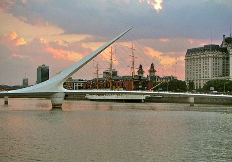 Feriado De Tiradentes - Buenos Aires