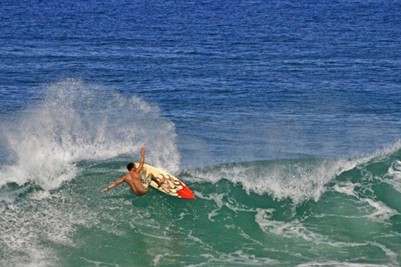 Saquarema tem museu do vôlei, surf e templo do rock'n'roll