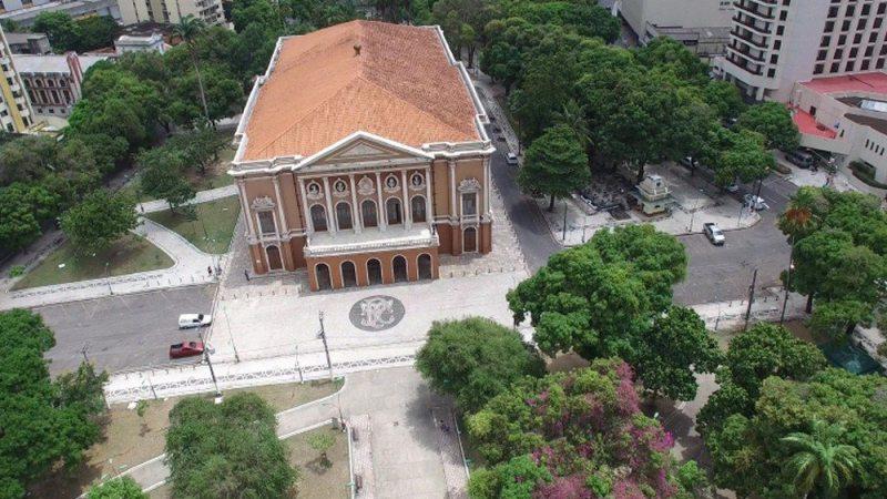 Basílica de Nazaré e Praça da República