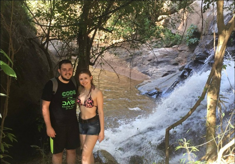 Cachoeira Da Trilha Do Parque Aui Mauê