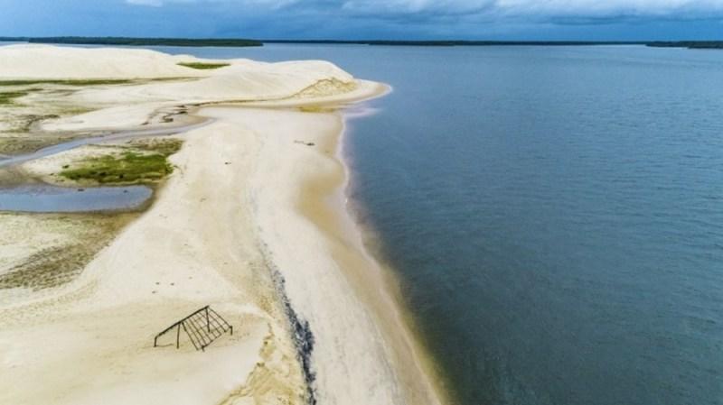 praia de pedra do sal