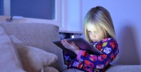 O sono é prejudicado nas crianças que utilizam disposivos electrónicos
