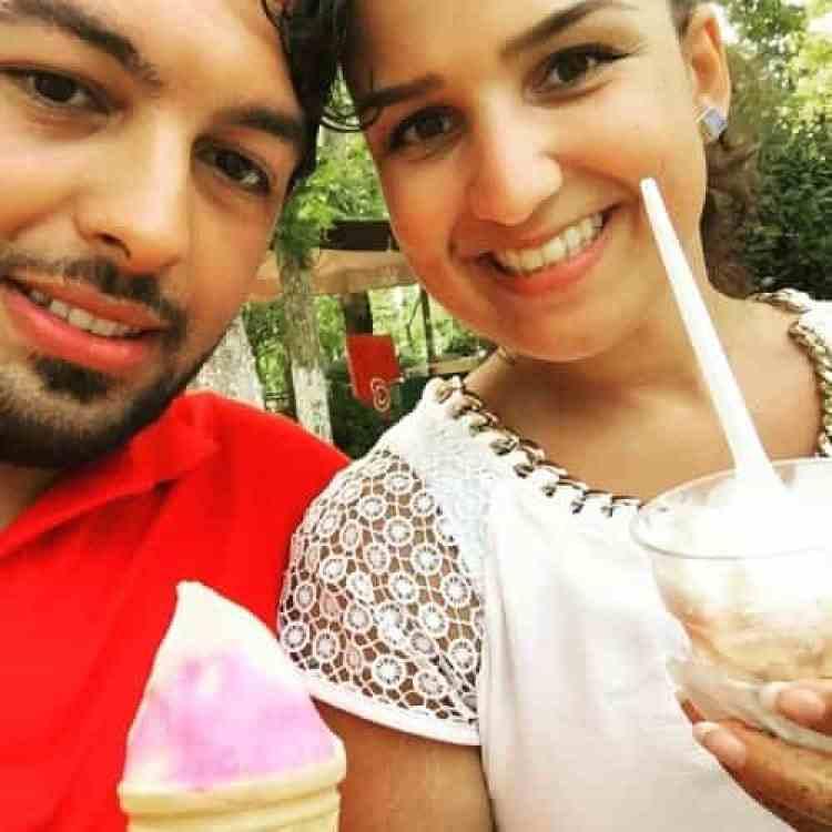 Dondurma (ijs) eten bij de Düden watervallen