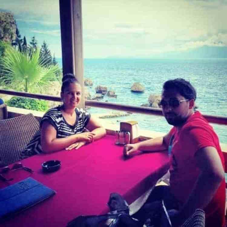 We zoeken verkoeling bij de Haven van Antalaya