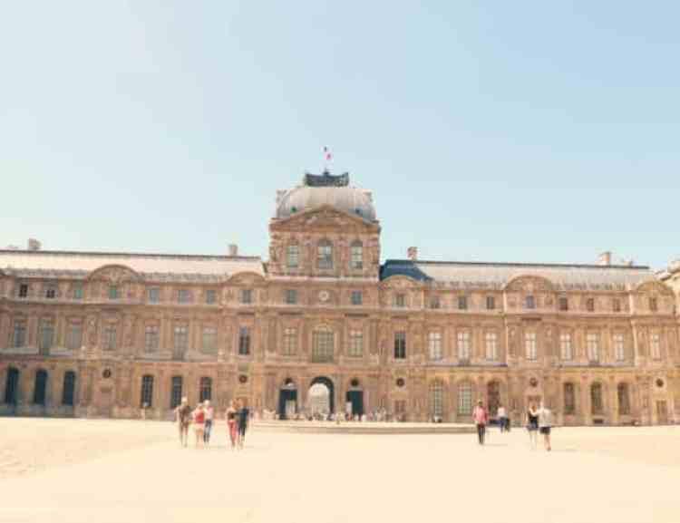 Louvre_binnen