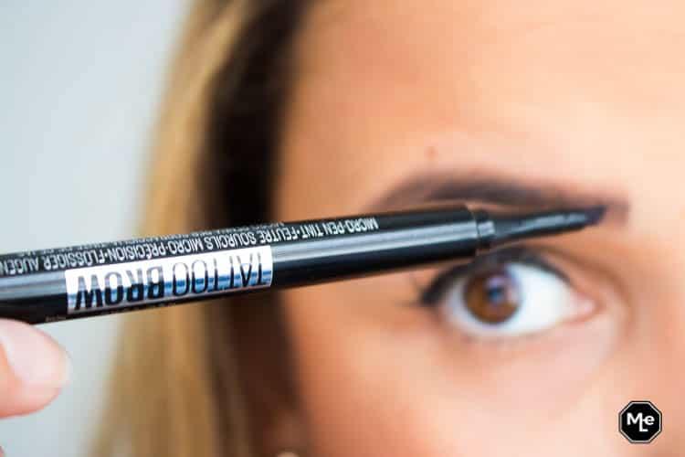 aanbrengen Maybelline Tattoo Studio Brow Tint Pen