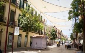 Toldos en la calle O'Donell para crear de zonas de sombra