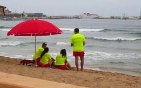 Los socorristas de Melilla no cobran