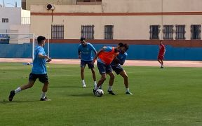 Imagen del entrenamiento de ayer en el Estadio Álvarez Claro del conjunto azulino