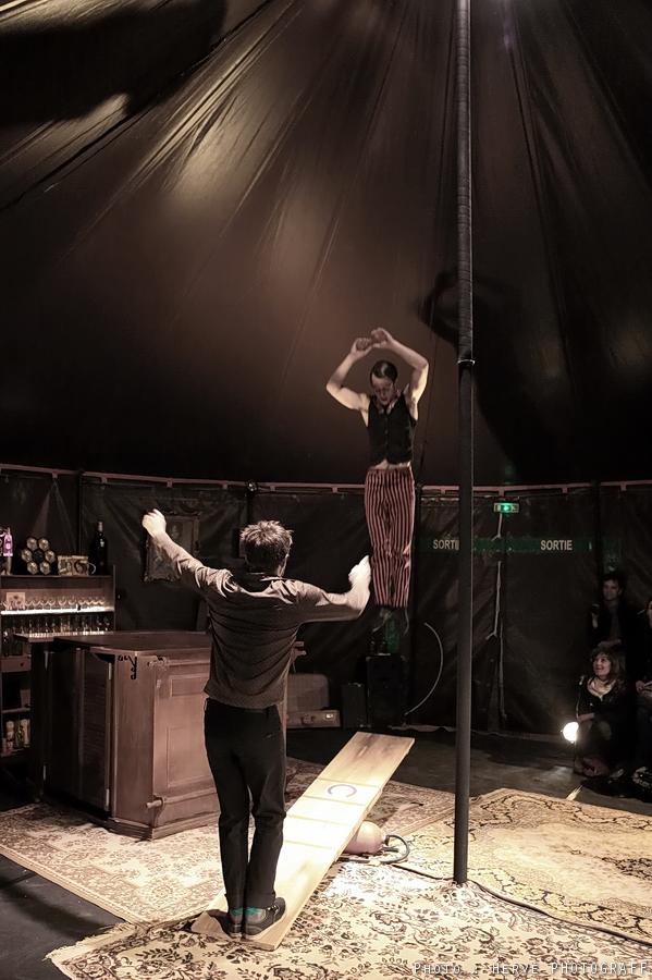 """Bar à Paillettes PARIS @ Cirque Electrique """"Venez risquer votre soirée au bistrot des absurdités"""" www.cirque-ozigno.com"""