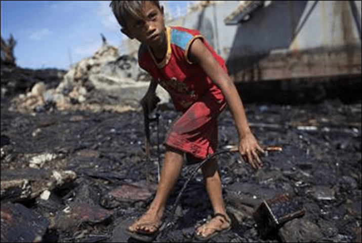 Filipinos trying to rebuilt their lives are Typhoon Yolanda are at risk every day after Powerbarge 103 dumped 900,000 litres of bunker fuel and oil on the shoreline of Botongon (Estancia).