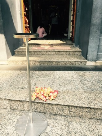 offering at the hindu temple