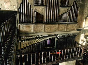 the pipes of the pipe organ