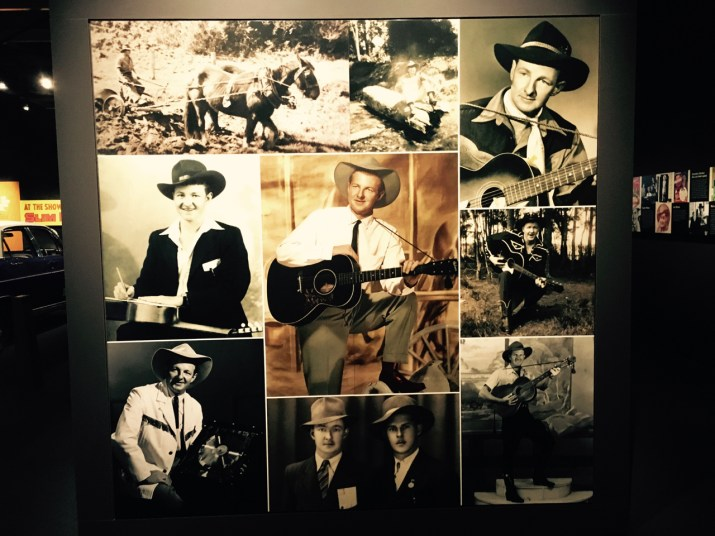 slim dusty picture board (slim dusty centre)