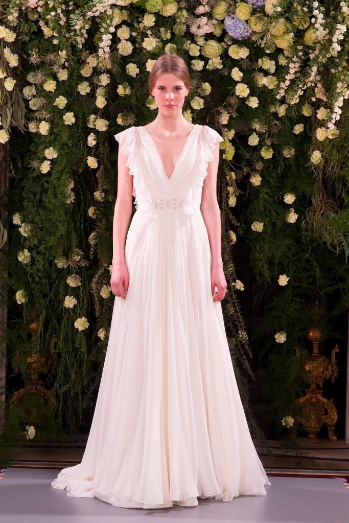 Vestidos de novia con escote en V
