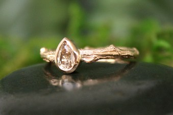 Oak Branch Ring in 14k Gold with Champagne Diamond