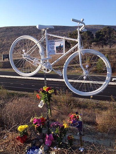 Ghost bike (2)