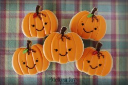 pumpkins-wcandy-leaf