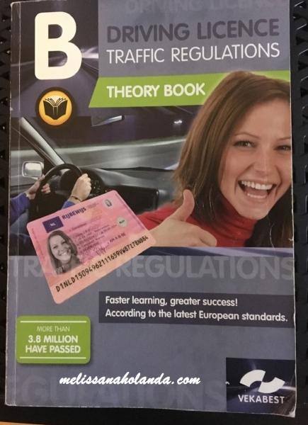 Livro para tirar carteira de motorista na Holanda
