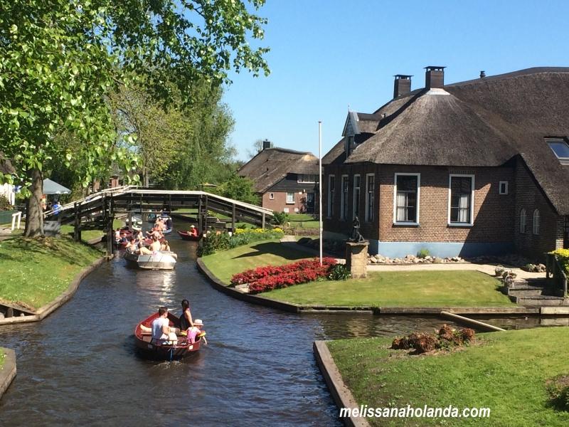 Viajando por 40 cidades da Holanda:15ªcidade-Giethoorn