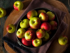 Raw Organic Lady Apples