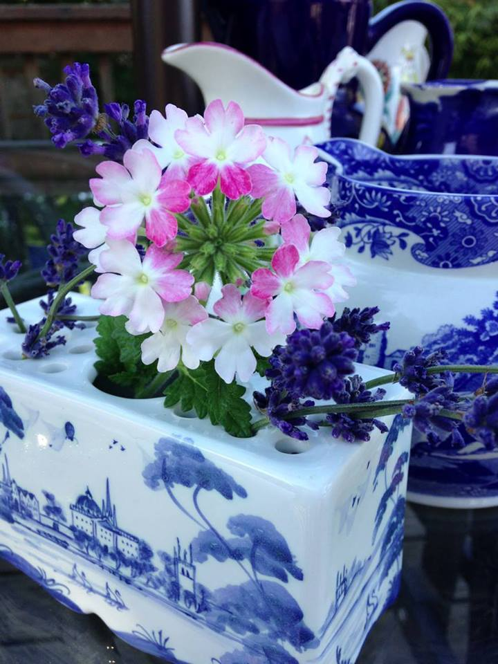 Blue and white summer table scape featuring ISIS ceramics and Spode Blue Italian, both from England