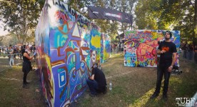 Local Sacramento artists painting, Aftershock, Discovery Park, Sacramento, CA. October 23, 2016. Photo Anouk Nexus