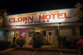 bodie-mono-lake-clown-motel-120