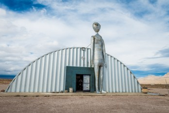 the-extraterrestrial-hwy-22