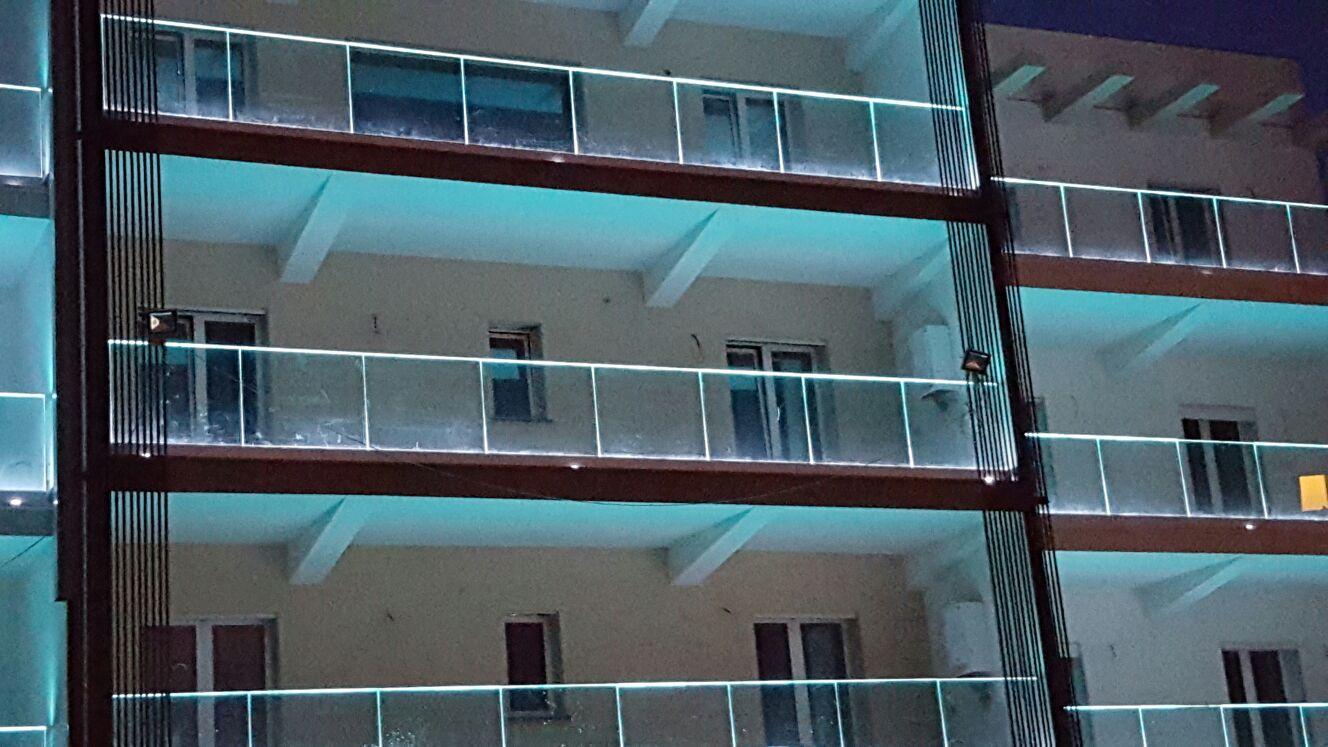 Scopri la sicurezza delle nostre ringhiere modulari. Ringhiere In Acciaio A Siracusa Parapetti Balaustre