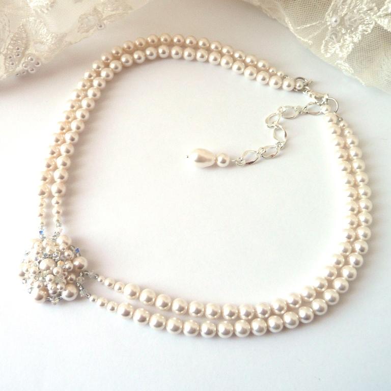 pearl-choker-necklace-fb-profile-pic