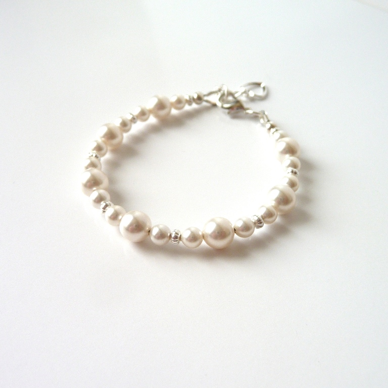 baby bracelet with pearls